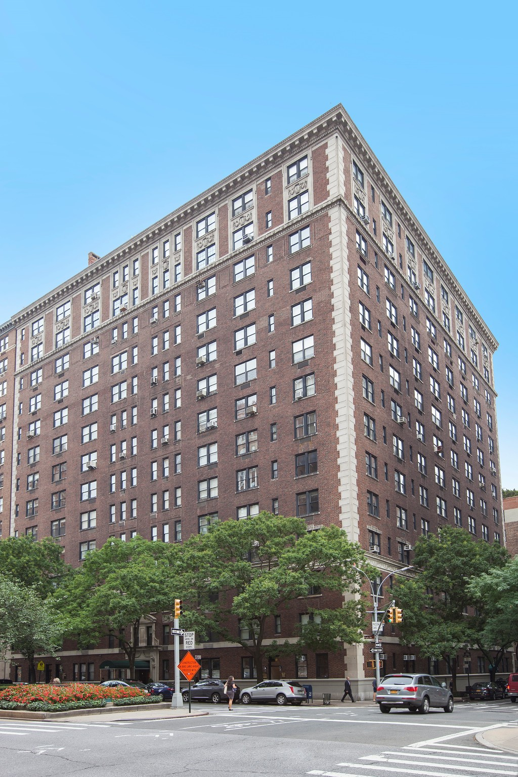 1125 Park Avenue New York Ny 10128 In Contract